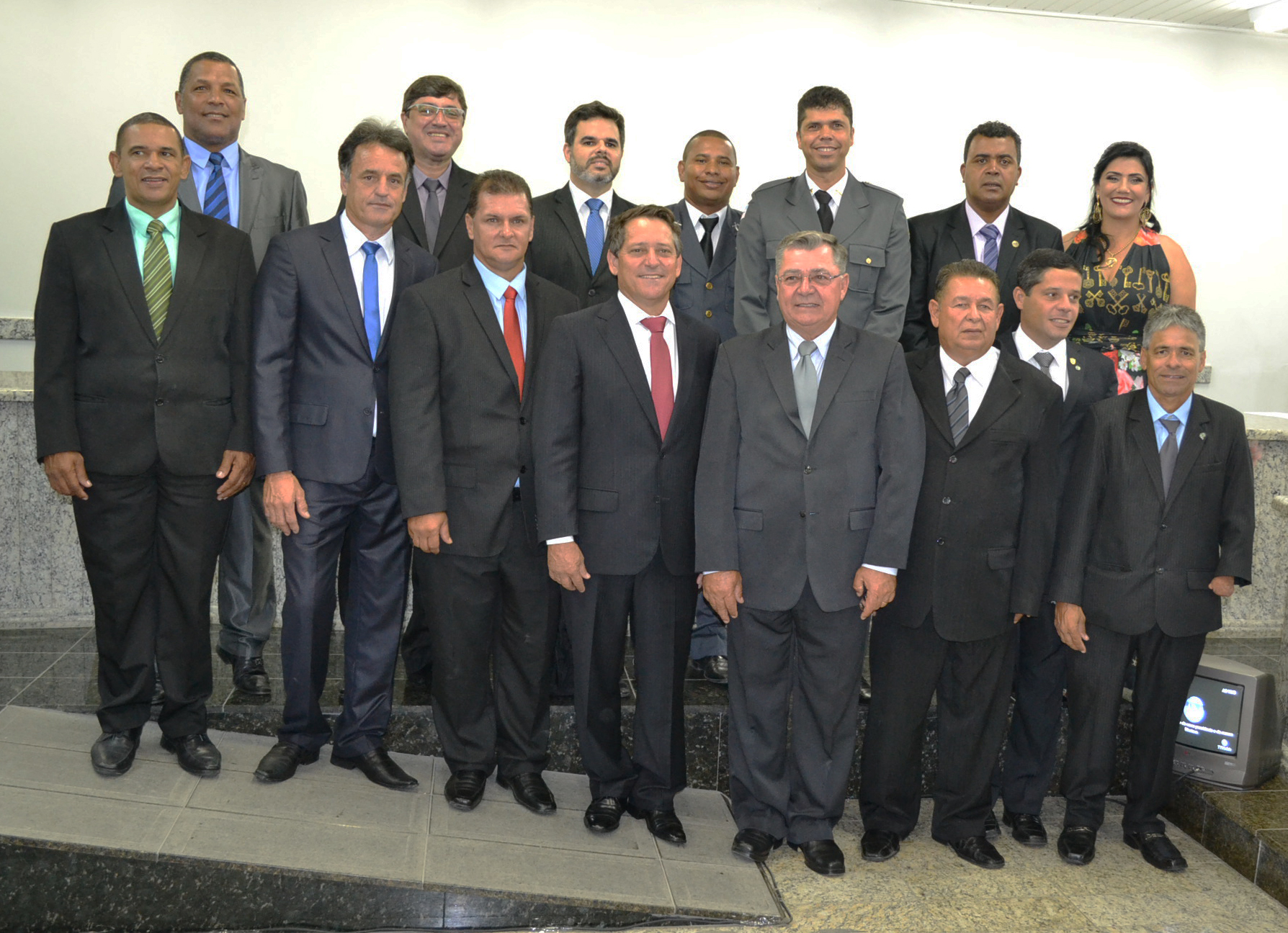 Posse de vereadores e prefeito lota plenário do legislativo